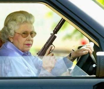 queen_gun